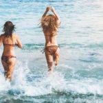 Sommer, Sonne, Strand und Meer – in Zeiten von Corona allerdings am besten nur mit einer Reisekrankenversicherung